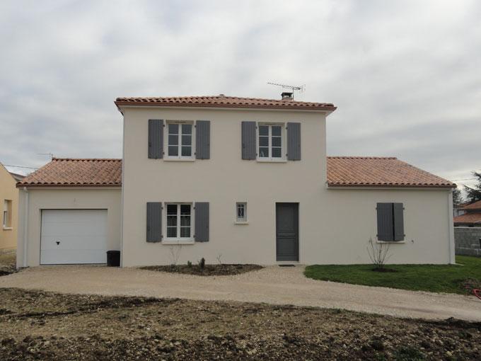 Constructeur de maisons individuelles cognac en charente for Obligation constructeur maison individuelle